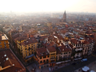 Spend a summer in Italy!