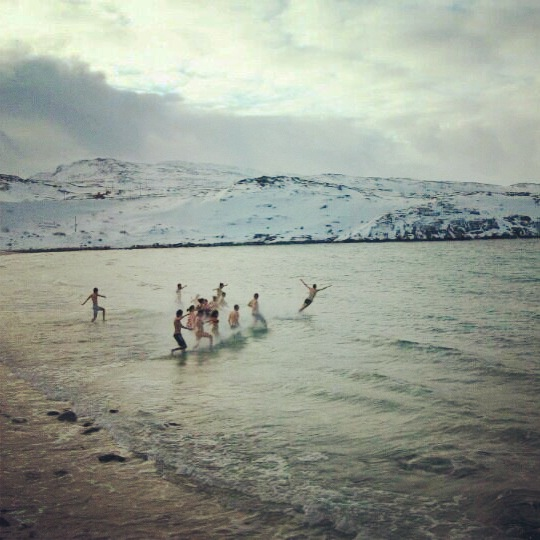 Finland_SwimmingInArctic